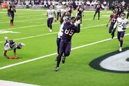 Derrick Henry brilla con 250 yardas terrestres y dos anotaciones en la victoria 41-38 sobre los Houston Texans.