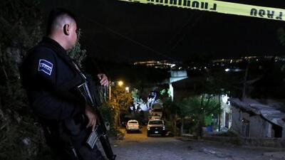 Hallan 12 cadáveres y bolsas con restos humanos en el interior de una casa en México