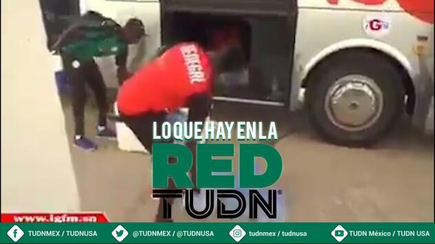 ¡Humildad pura! Sadio Mané ayuda a utilero de Senegal