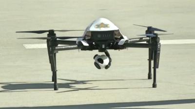 """Sheriff y activistas de Los Ángeles quieren """"mandar a volar"""" los drones (aunque por motivos diferentes)"""