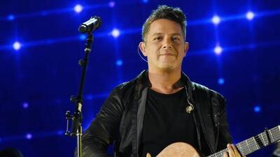 Grammy award Latin singer stops by Alamo before concert