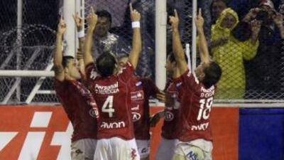 El Nacional de Paraguay elimina a Vélez Sarsfield y avanza a cuartos de final