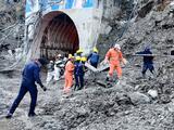 Cerca de 200 personas desaparecidas tras colapso de partes de un glaciar en India