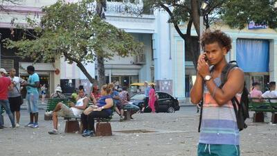 Cómo internet revivió las plazas de Cuba