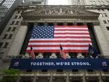 ¿Por qué le va tan bien a Wall Street mientras millones continúan sin empleo?