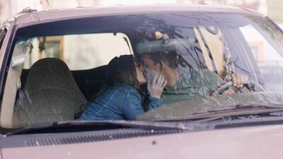 Milagros fue descubierta por su padre besándose con Fernando