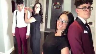 El corbatín, los zapatos y más: el video de Dayanara Torres vistiendo a su hijo mayor para el 'prom night'