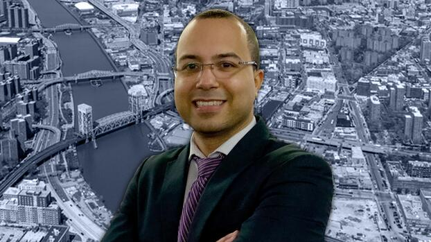 Conoce a Oswald Feliz, el abogado dominicano que lucha para que la gente del Bronx pueda pagar su renta