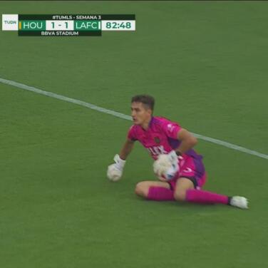 ¡Le dice que no! Fafa intenta pero Sisniega le niega el gol al Dynamo