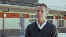 """""""Queremos lo mejor para nuestros hijos"""": gobernador Newsom anuncia un acuerdo con la legislatura para reabrir escuelas"""