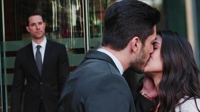 Miguel encontró a Adela besándose con su nuevo amor