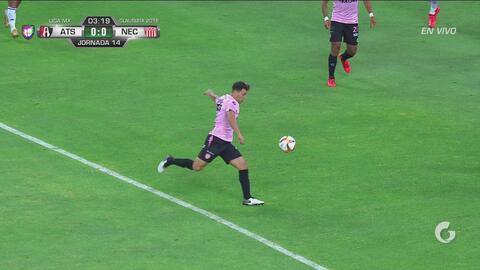 Fernando Meza tiene la primera de juego y pone a temblar a Atlas