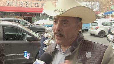 ¡Qué susto! Don Pedro Rivera casi rueda por la escaleras en Nueva York