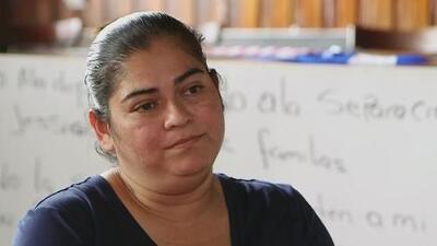 """""""Me siento destrozada, siento que dejo todo aquí"""": hondureña que será deportada tras casi 20 años en EEUU"""