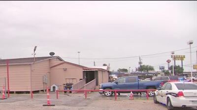 Desmantelan en Houston una sala de juegos con máquinas alteradas para aprovecharse de clientes, según autoridades