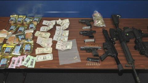 Capturan a tres sospechosos que intentaban asaltar una vivienda en la que autoridades encontraron armas y dinero