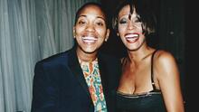 Rompe el silencio la confidente de Whitney Houston, confirma que tuvieron una relación y por qué la terminaron