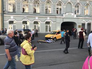 En fotos | Taxi atropelló aficionados en Moscú; mexicanas entre los heridos