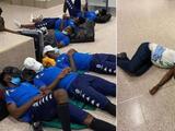 Aubameyang y Gabón duermen en el piso del aeropuerto de Gambia