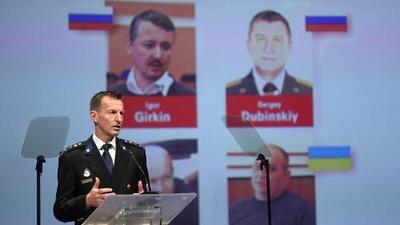 Acusan a tres rusos con nexos con la inteligencia militar y un ucraniano por el derribo del vuelo MH17 que dejó casi 300 muertos