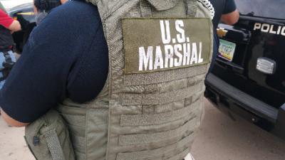"""Extraditan a México a un ciudadano estadounidense buscado por """"matar brutalmente"""" a dos personas"""