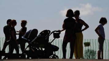 Expertos advierten sobre las consecuencias de la disminución de la tasa de natalidad en EEUU