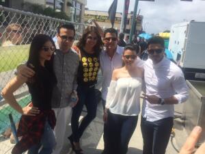 ¡Qué bien se la pasaron Karina, Jessica y Roberto en el festival de la calle 8!