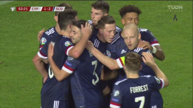 ¡Le rompió el arco! McGinn le vuelve a dar la ventaja a Escocia