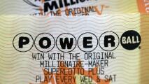 Para los que sueñan con ganarse el PowerBall, todavía tienen chance de hacer su apuesta
