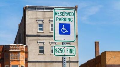 Esta ciudad del Área de la Bahía evalúa cobrarle a los residentes por estacionarse frente a sus casas
