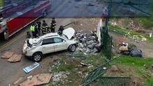 Buscan un auto BMW que causó un choque entre varios vehículos en Modesto