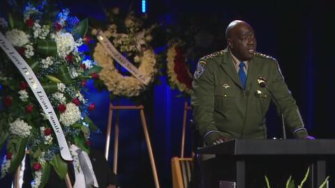Dan el último adiós al oficial que murió tras ser atropellado por un conductor ebrio en Lake Elsinore