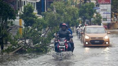 República Dominicana se mantiene en alerta en medio del paso del huracán María
