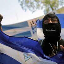 La protesta cobra nueva fuerza en Nicaragua y Ortega traslada la represión a las iglesias