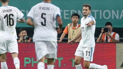 En fotos: Christian Stuani se vistió de Suárez y brilló en el 3-0 de Uruguay sobre Uzbekistán