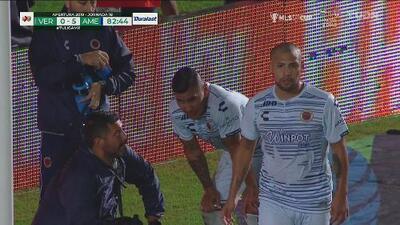 Veracruz termina con Carlos Salcido mareado y Ángel Reyna peleando con Roger Martínez