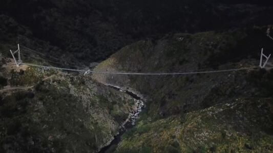 Inauguran el puente peatonal colgante más grande del mundo, ¿te atreverías a cruzarlo?