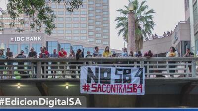 Activistas pro inmigrantes envían mensaje sobre la ley SB 4