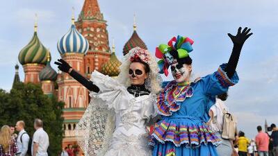 'Día de los Muertos' y música de banda: ¿de verdad está Tony Dandrades en Rusia?