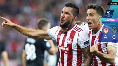 Olympiacos pone un pie en la Fase de Grupos de la Champions
