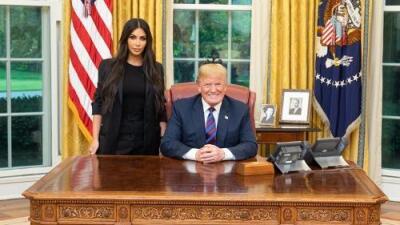 Kim Kardashian visita la Casa Blanca en busca de auxilio para una confinada de 63 años