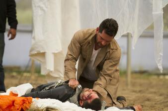 John está destrozado por la muerte de Óscar
