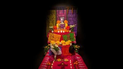 Conoce el significado del altar de muertos y todos sus elementos