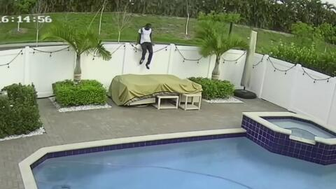 Buscan al sujeto que intentó entrar por la fuerza a una casa en Miami-Dade