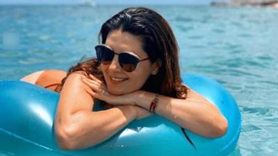 Mayrín Villanueva presume su figura en bikini
