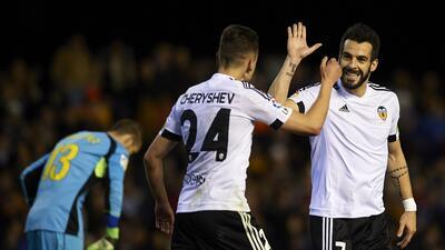 Valencia 2-1 Espanyol: El Valencia alivia su crisis y agrava la de los Periquitos