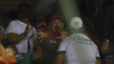 ¡Se volvió un ring! Aficionados de León atacaron un palco en el Nou Camp