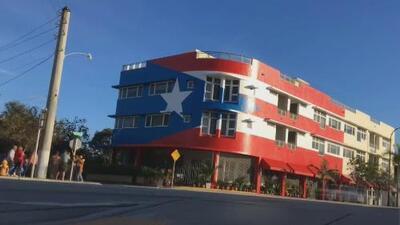 Continúa la polémica por un mural con la bandera de Puerto Rico en Miami: dueño del lugar asegura tener todos los permisos