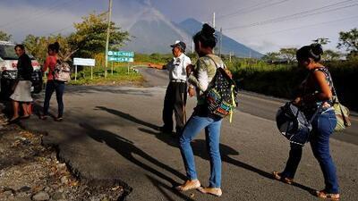 Alerta máxima por nuevas erupciones del volcán de Fuego en Guatemala, las cuales obligan cientos de evacuaciones