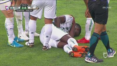 Djaniny Tavares salió lesionado luego de darle el 2-0 a Santos sobre Tigres